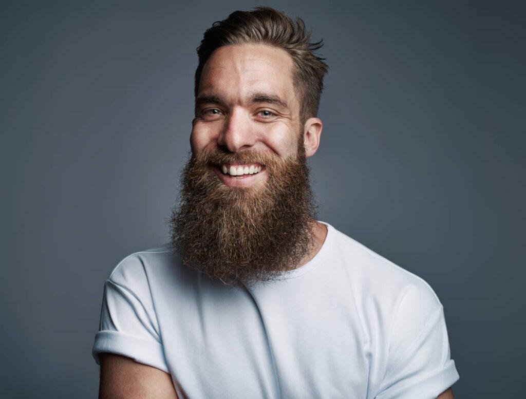 De toute évidence, lui il est passionné par les barbes